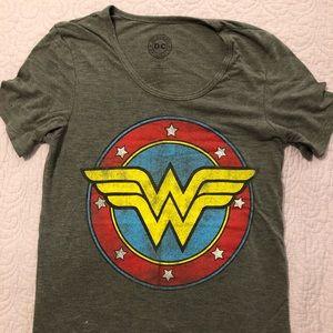 Vintage Wonder Woman T-shirt